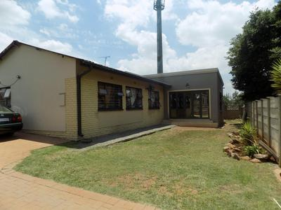 Property For Sale in Tedstoneville, Germiston